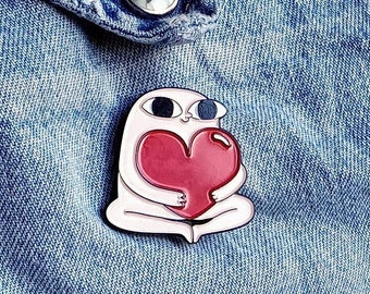 Big Eyes, Bigger Heart Pin/Badge