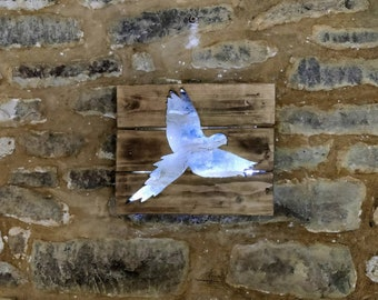 Bird Silhouette - Recycled Wood / LED lights / Home Decor