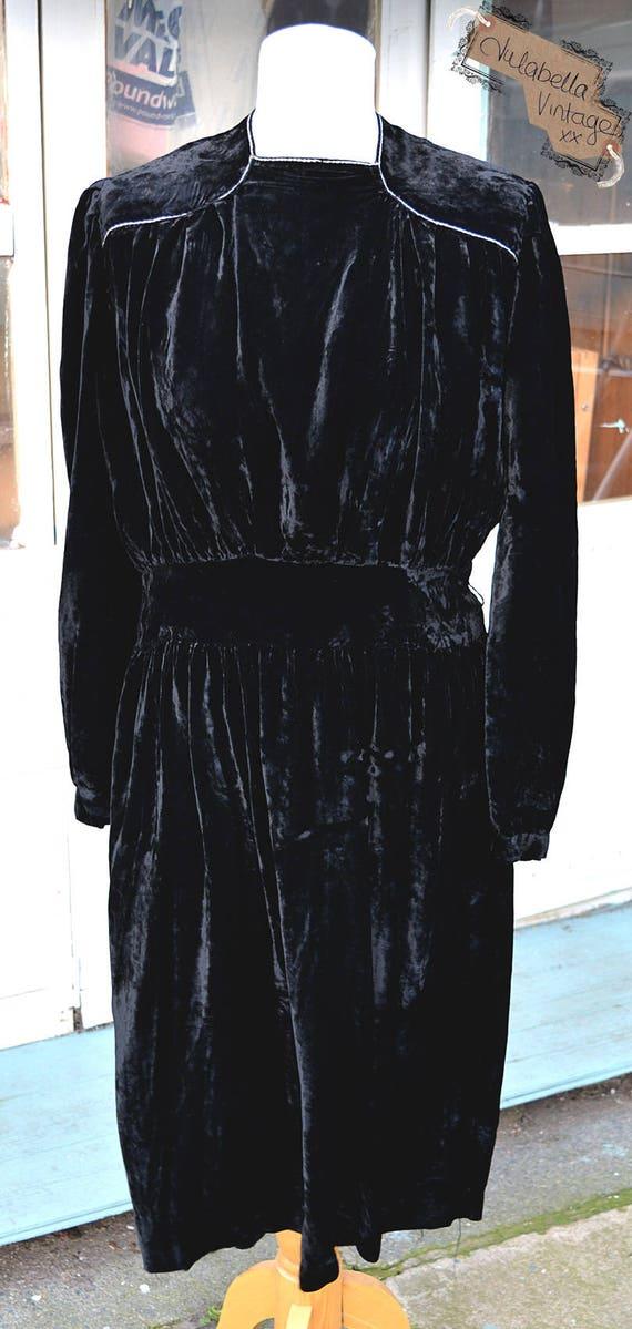 SALE Sumptuous Vintage Black Velvet Dress - late 3