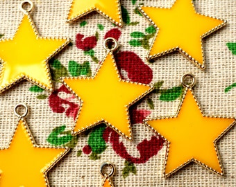 Star charms 10 gold /& pale pink tiny pendant charm jewellery supplies C447