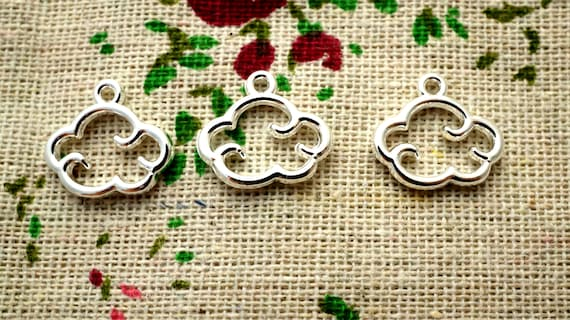 World map 10 silver charms vintage style jewellery supplies C833