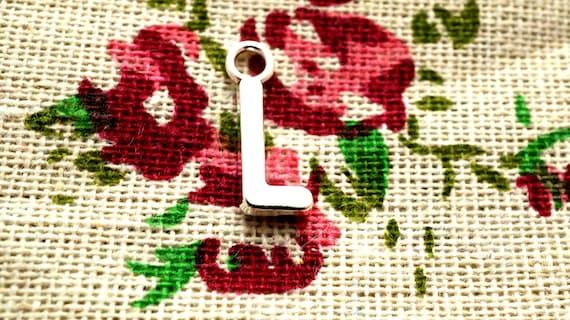 Alphabet letter R charm silver vintage style jewellery supplies C32