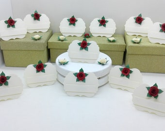 Place cards. Place settings. 100 cream easel style place cards/place settings with 3d roses. Weddings. Anniversaries. Birthdays.