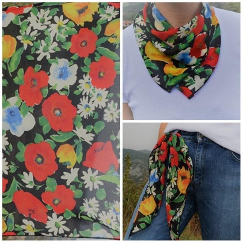 f8c8d9be2af Vintage petit carré foulard rouge coquelicot Tulipes jaunes