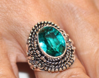 Green Quartz Ring- size 8!!