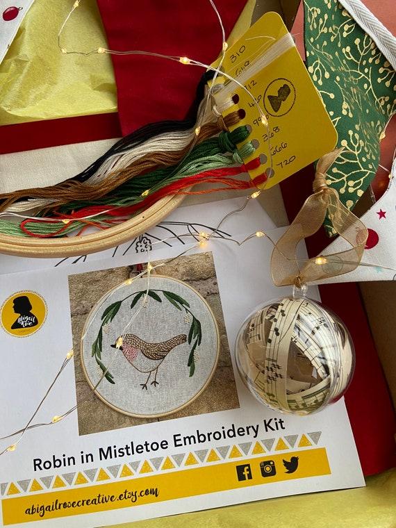 Robin with Mistletoe Gift Set