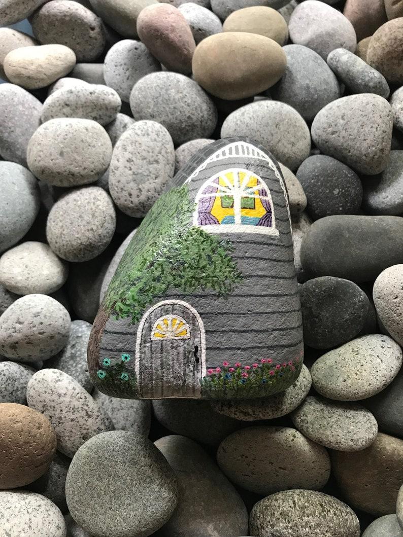 hand painted house, painted rock house, stone art, rock art, home decoration, figurine, ornament, wedding present, birthday gift, keepsake