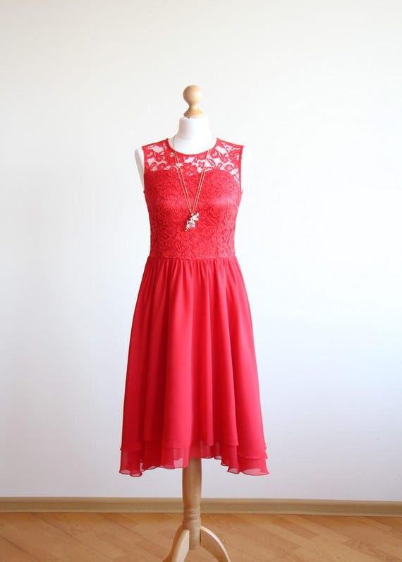 Kleid brautjungfer rot