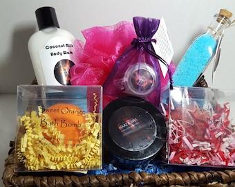 Expecting Mom Gift Basket-Natural Organic Handmade Bathbomb-Body Wash-Bath Salt Soak-Sugar Scrub-Lip Balm-Body Butter-Mom to be Gift Basket