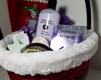 Gift Basket-Handmade Natural Organic Bath bombs-Body Sugar Scrub-Body Wash-Lip Scrub-Lip Balm-Bath Salt-Body Butter-Shower Bomb-Face Mask