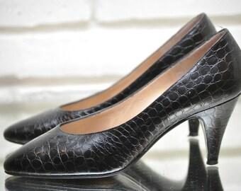 928e32e786c Vintage Bruno Magli Black Leather Pumps Alligator Classic Black Heels Size  5.5 AA Made in Italy