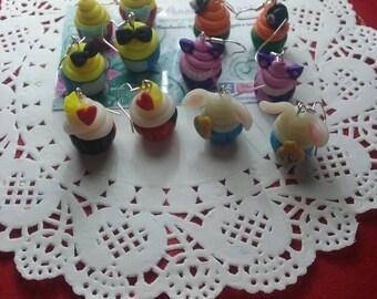 Cupcake disney earrings Alice in Wonderland