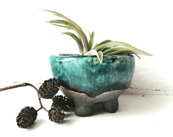 Air plant holder, raku ceramics, succulent planter, handmade pottery, cactus pot, legged planter, moss gardening pot, turquoise air planter