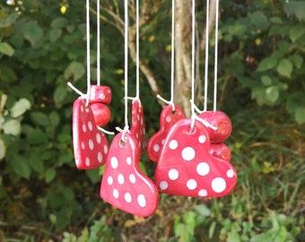 Red hearts windchime, ceramic windchime, garden decor, garden art, outdoor decor, garden pottery, cottage garden, fairy garden mushroom