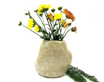 Small bud vase, flower vase, ceramic vase, Wabisabi pottery, minimalistic home decor, desk decor, handmade pottery vase, flower arranging
