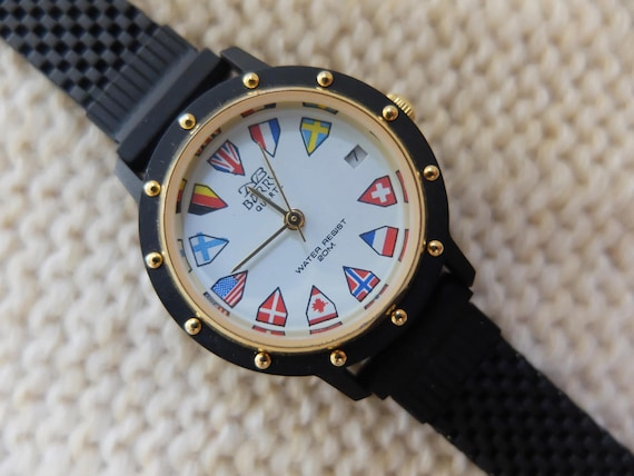 NB Barry Quartz 1980s black watch with flag design