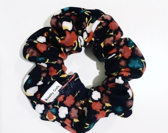 Knotty Gal Scrunchy - Reese