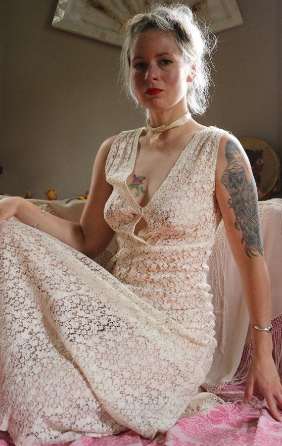 Vintage 1930s Ivory Lace Bias Cut Gown