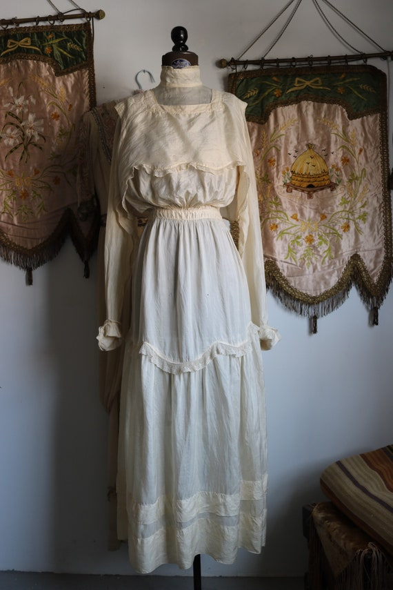 Antique Edwardian Cream Tissue Silk & Lace Dress - image 5