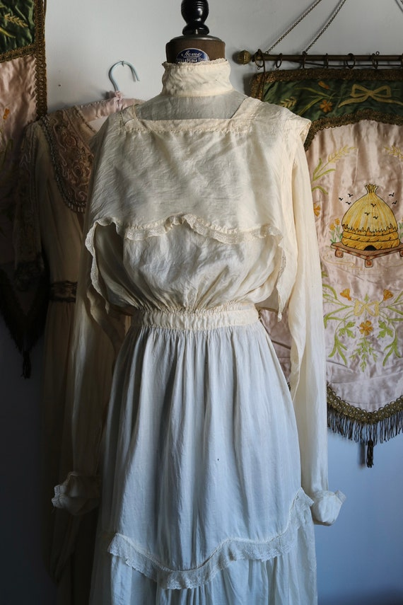 Antique Edwardian Cream Tissue Silk & Lace Dress - image 7