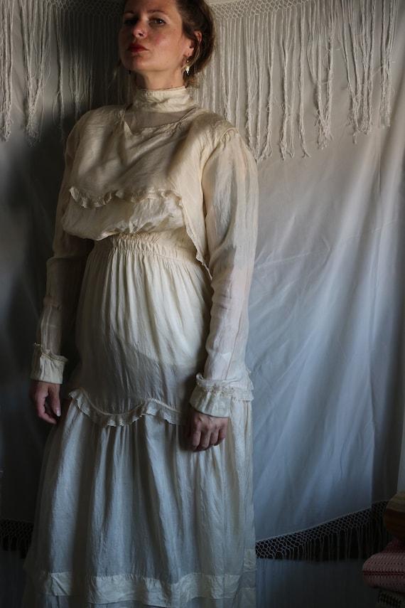 Antique Edwardian Cream Tissue Silk & Lace Dress - image 3