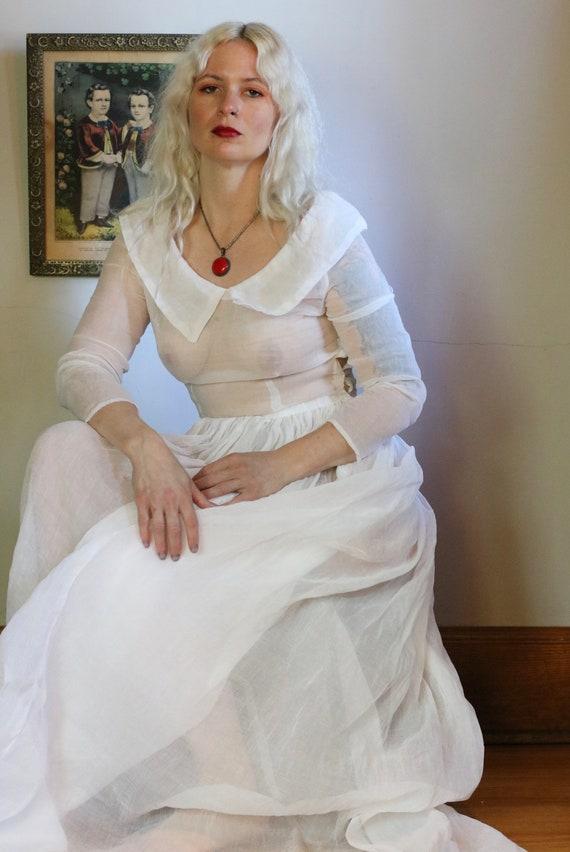 Vintage 1930s Sheer Ivory Organza Wedding Gown - image 2