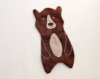 Bear applique pattern, instant download PDF, 4 sizes. Includes applique technique methods and a sew along video. From our Forest quilt