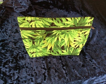 Make up/ toiletry bag in Cannabis leaf print, hemp leaf