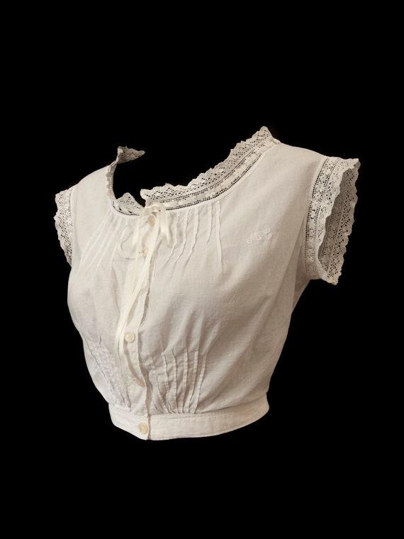 Beautiful corset cover. S.XIX