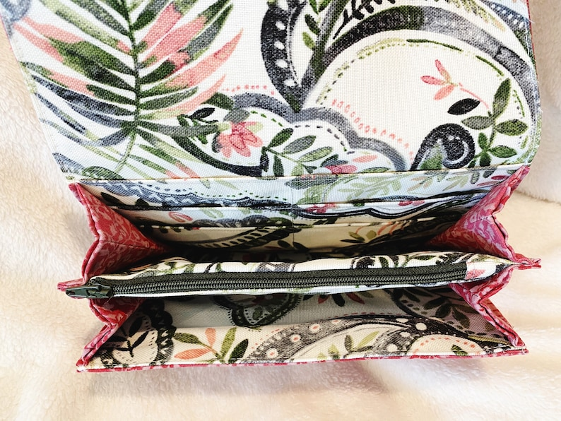 Accordion Worsley Wallet in pink floral and green lining