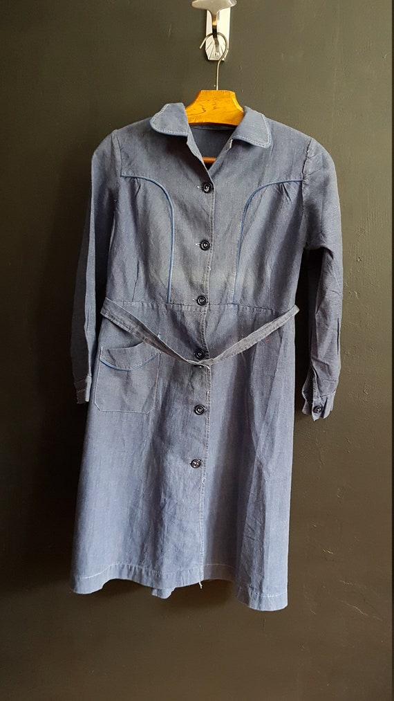 Vintage French dark blue chambray cotton school dr