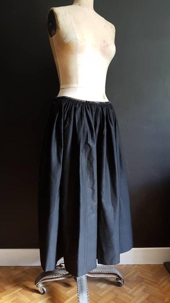 Vintage French Black skirt jupon traditional Breto