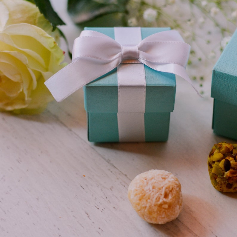 Bridal Shower Favor Box Breakfast at Blue Party Gift Box with PRE-CUT ribbon Robin Egg Blue Favor Boxes