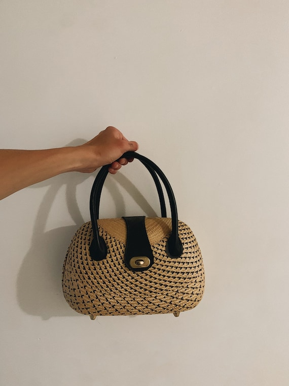 Vintage wicker tote bag