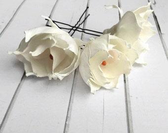 White hair pins Floral hair pins Bridal hair pins Set 3 hair pins Flower pin wedding Wedding headpiece Flower hair pins Bridal hair flowers
