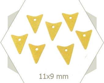 15 triangles BG47 matte gold arrow charms