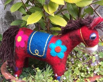 HORSE HANDFELTED