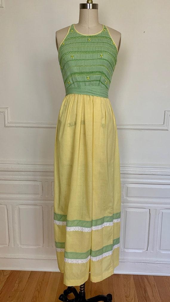 Vintage 70s Smocked Cotton Gingham Sundress / Vint