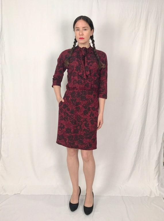c1974378fdcbab Vintage Red and Black Floral Dress Vintage Tie Neck Dress