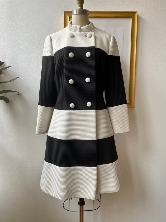 Vintage 60s black and white Lilli Ann knit coat - image 1