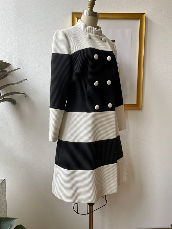 Vintage 60s black and white Lilli Ann knit coat - image 3