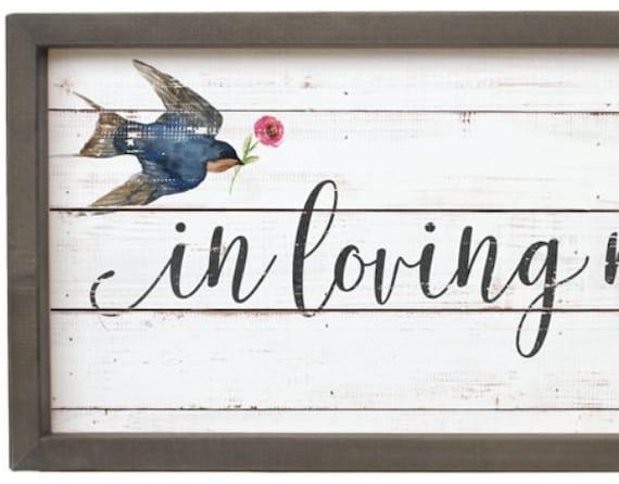 In loving memory - Rustic wood sign - Memory Table Sign - Memorial Sign -  Farmhouse Decor - Wedding Memorial - Country Decor - Rustic Decor