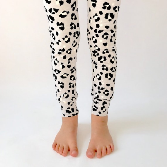 "Eddie & Bee organic cotton leggings in Grey ""Snow Leopard  "" print."