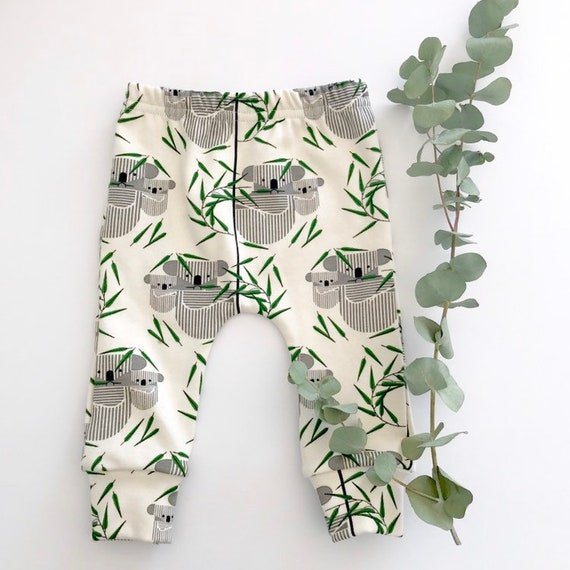 "Eddie & Bee organic cotton leggings in cream ""koala koala"" print."
