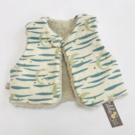 "Reversible fleecy gilet lined with Cream/ Blue ""Twilight Sky"" japanese cotton double gauze."
