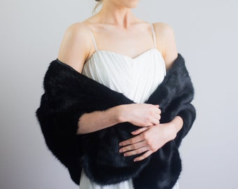 Catery Womens Faux Fur Shawls and Wraps Wedding Faux Fox Fur Stole Bridal Fur Scarf for Women and Girls Black