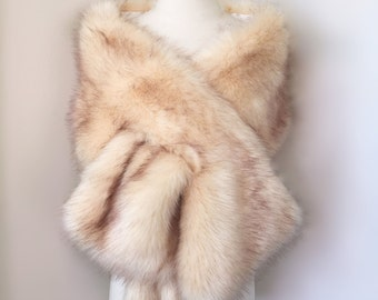 Champagne Faux Fur bridal Wrap, Light Brown Fur, Wedding Fur Shrug, Bridal Faux Fur Stole Fur Shawl Cape (Lilian Cha01)