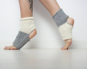 Knit Knot Space