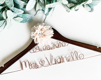 Wedding Dress Hanger With Date Bride Personalized Custom Bridal Party Shower Gift Bridesmaid Maid of Honor Flower Girl Groom Best Man