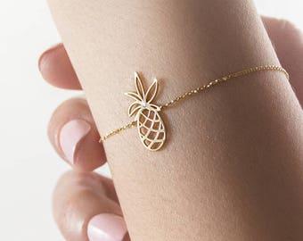 Small Pineapple Charm with White Natural Diamond, 9K 14K 18K Gold Bracelet, Yellow Gold, Tropical Bracelet, Exotic Fruit, Gift for Her